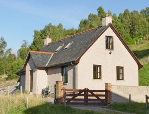 Tangusdale Cottage, Mandally, Invergarry, PH35 4HP